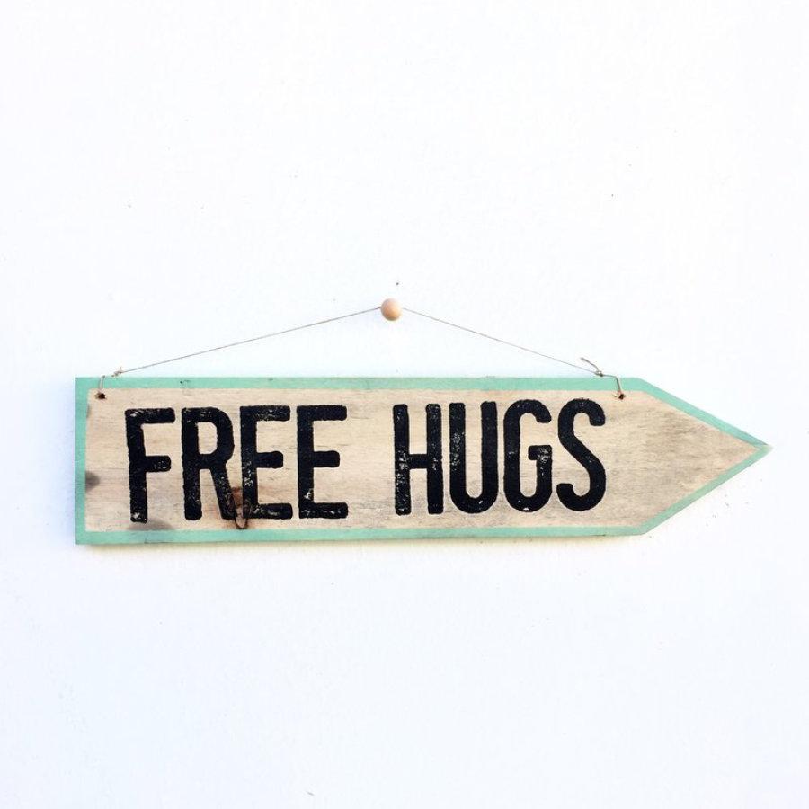 Flecha Free Hugs - Enkaja Ibiza