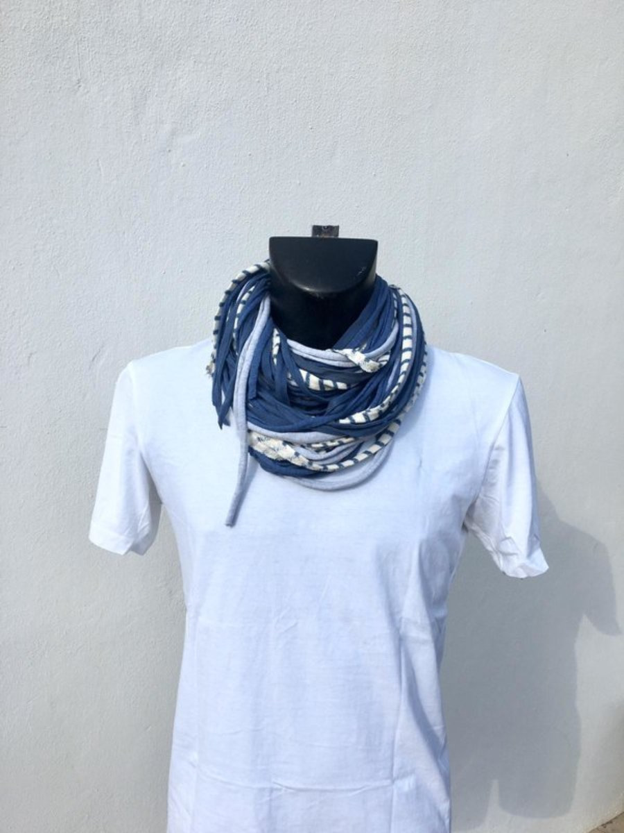 Foulard Azul, Gris, Blanco Con Rayas Azules