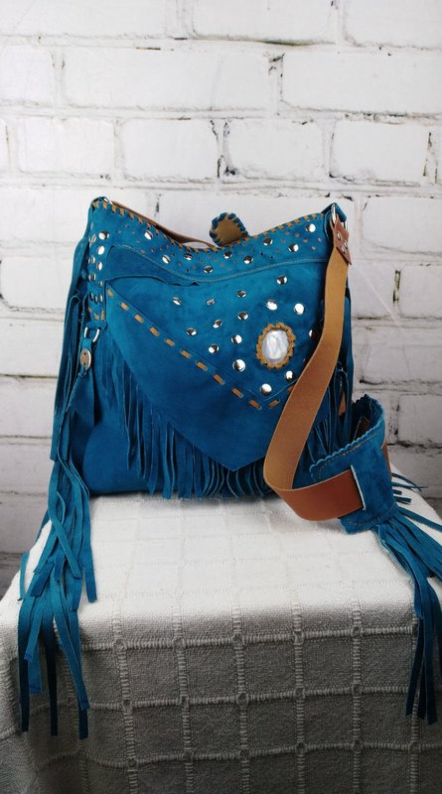 Bolso de Piel de Ante Azul Suave con Flecos