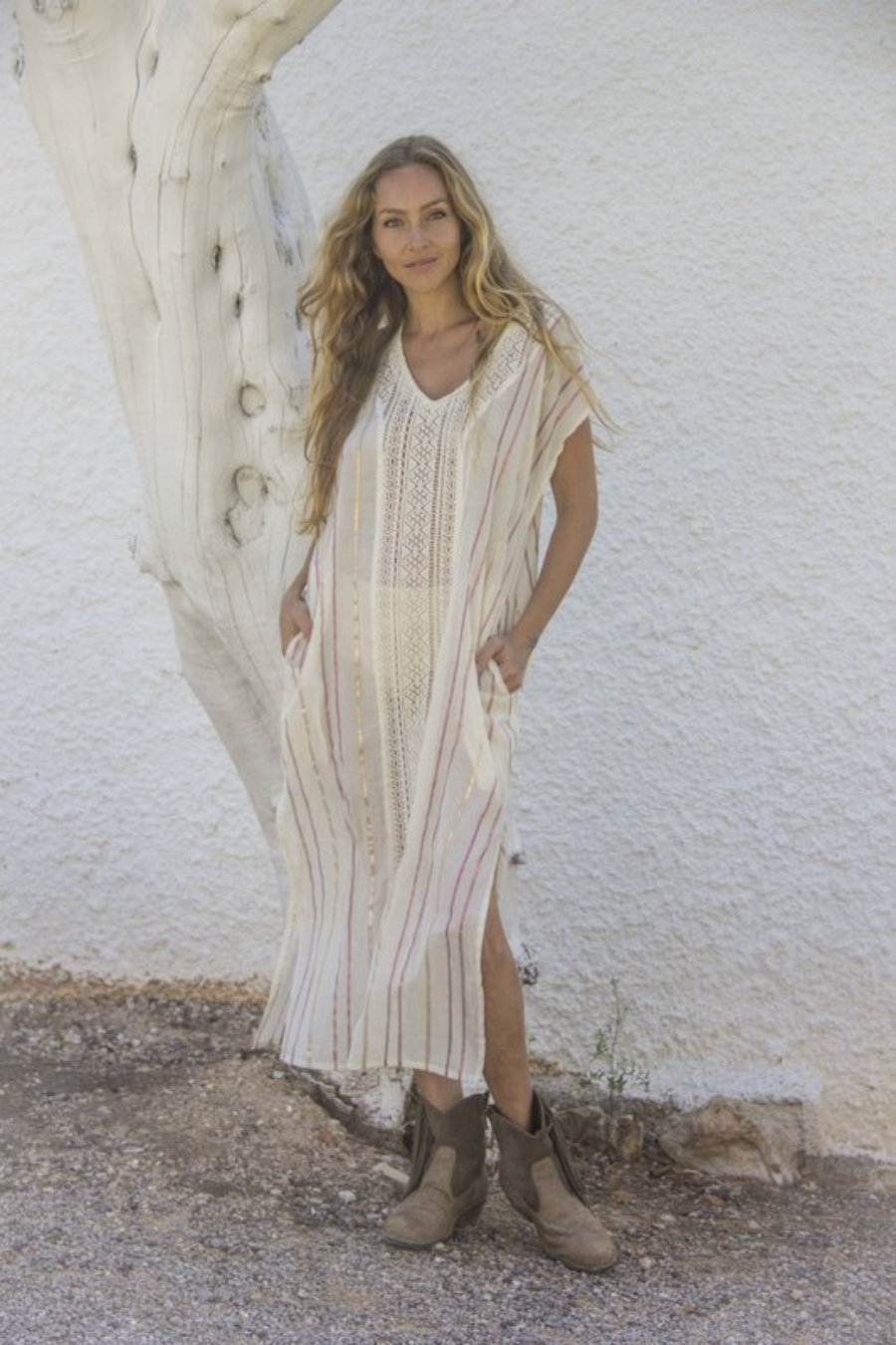 Chilaba túnica larga con bolsillos.  Vestido playa