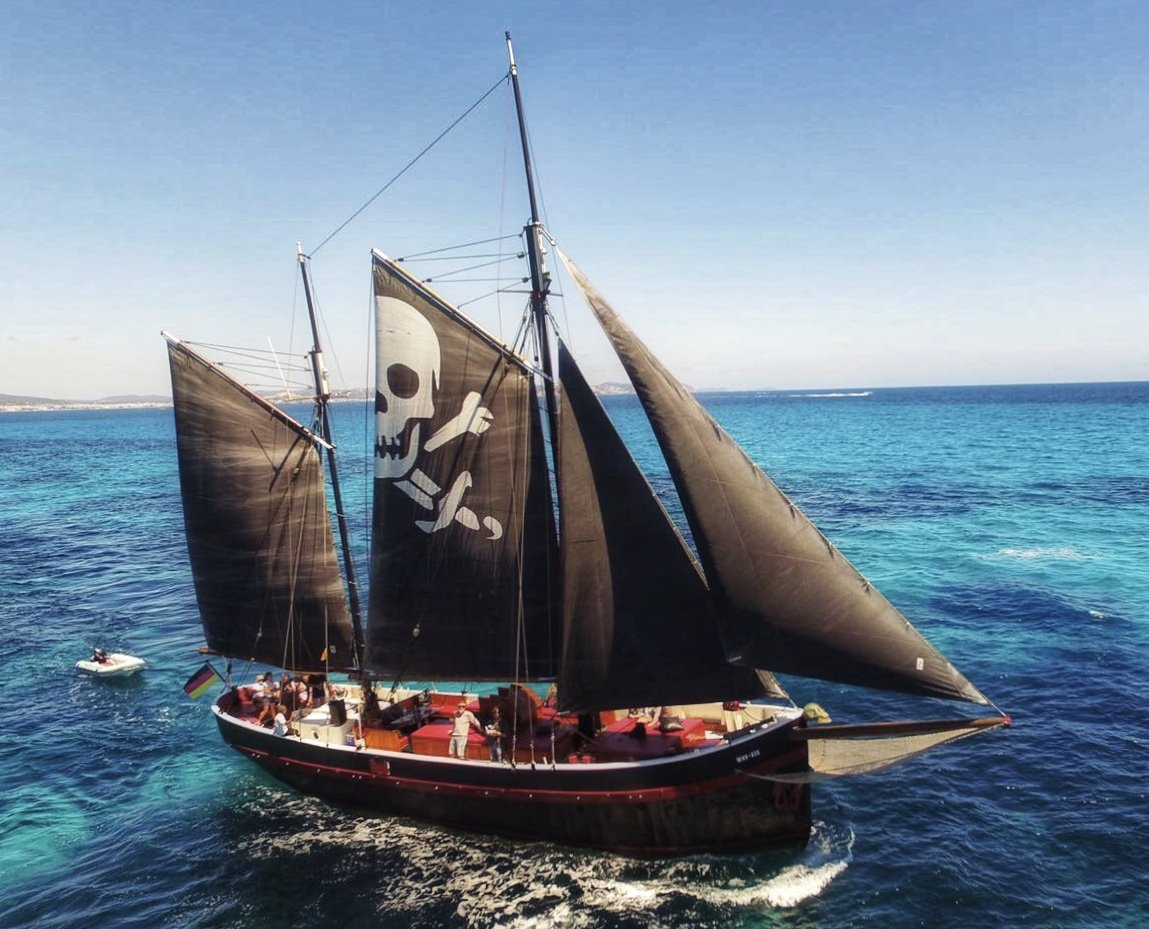 Charter Grupal En Navío Pirata (Pre Pago Del 50%)