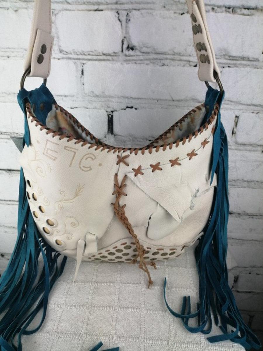 Bolso Blanco de Piel Flecos Azules Diseño Hippie