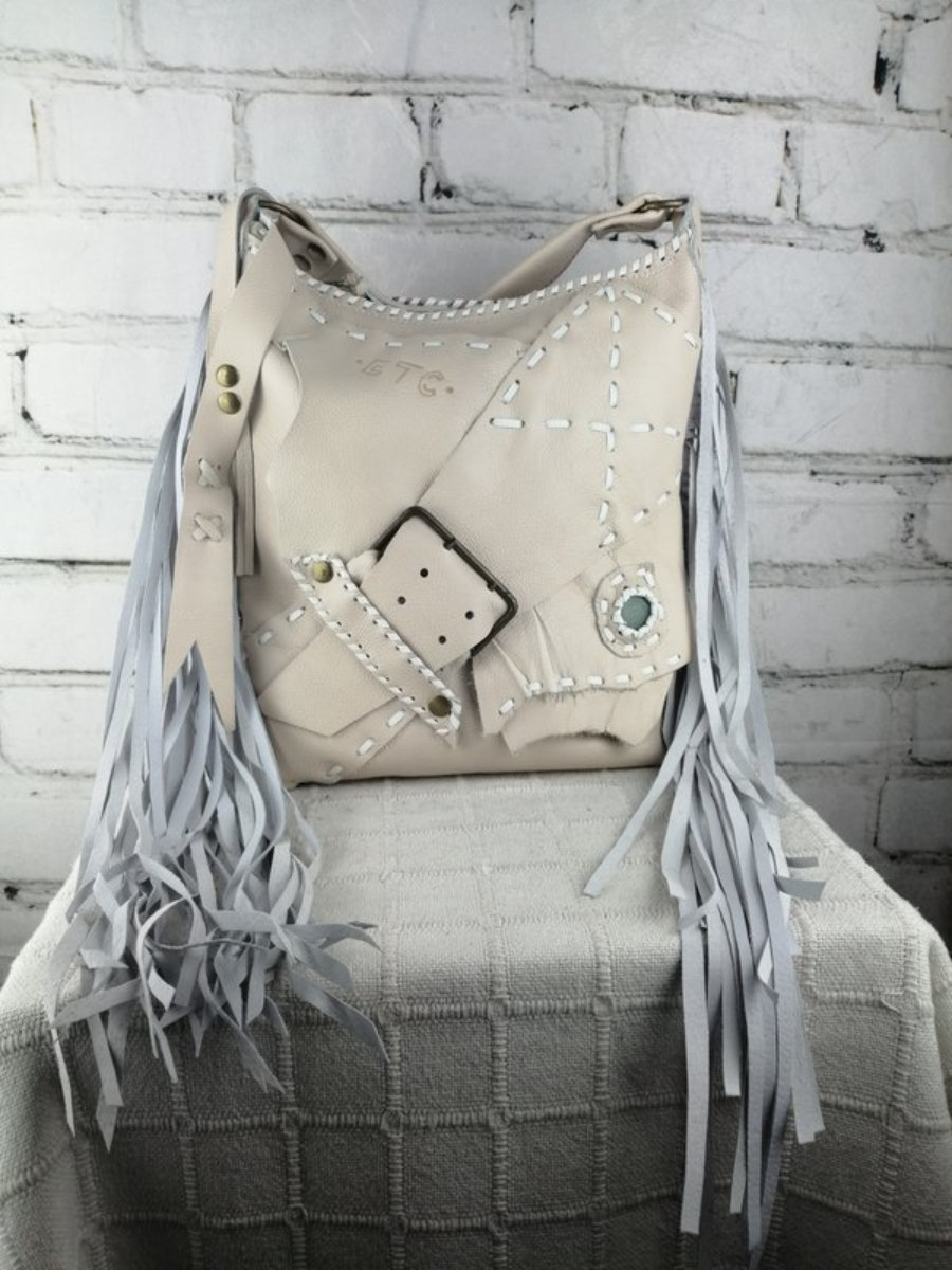 Bolso Blanco Ibicenco de Piel Flecos Diseño Boho