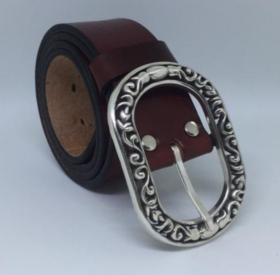 Cinturón de cuero 100%, 4cm con hebilla doble calada