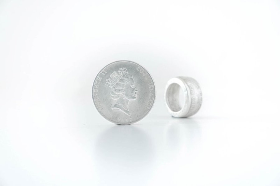 """1 Dollar Cook Islands """"Bounty"""" Silver Coin Ring"""