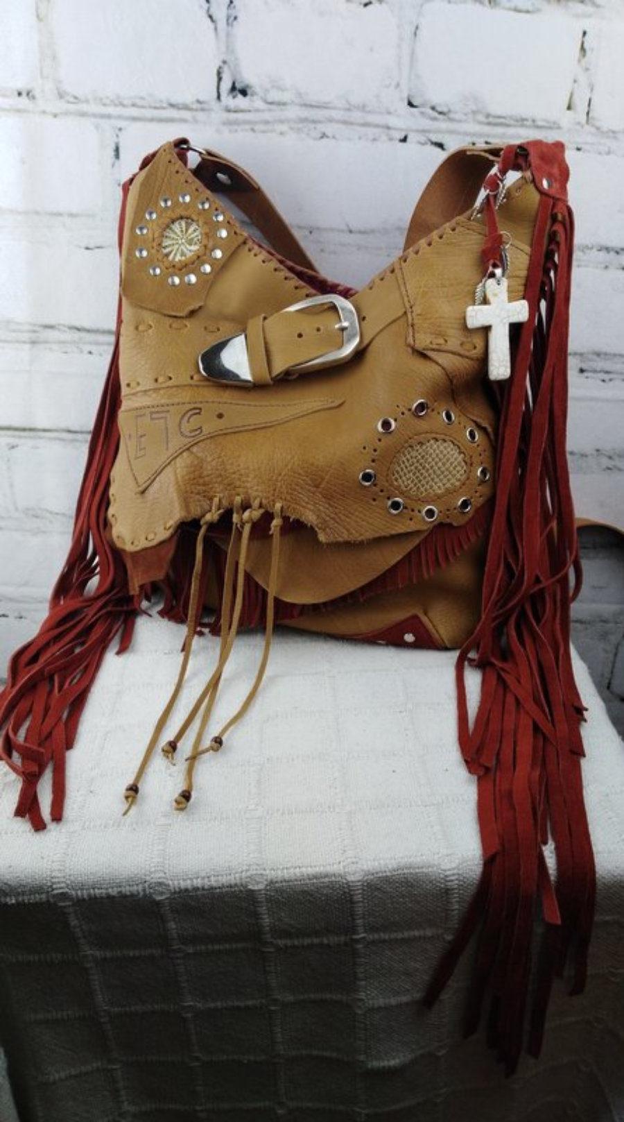 Bolso de Cuero Color Camel con flecos diseño Hippie Chic