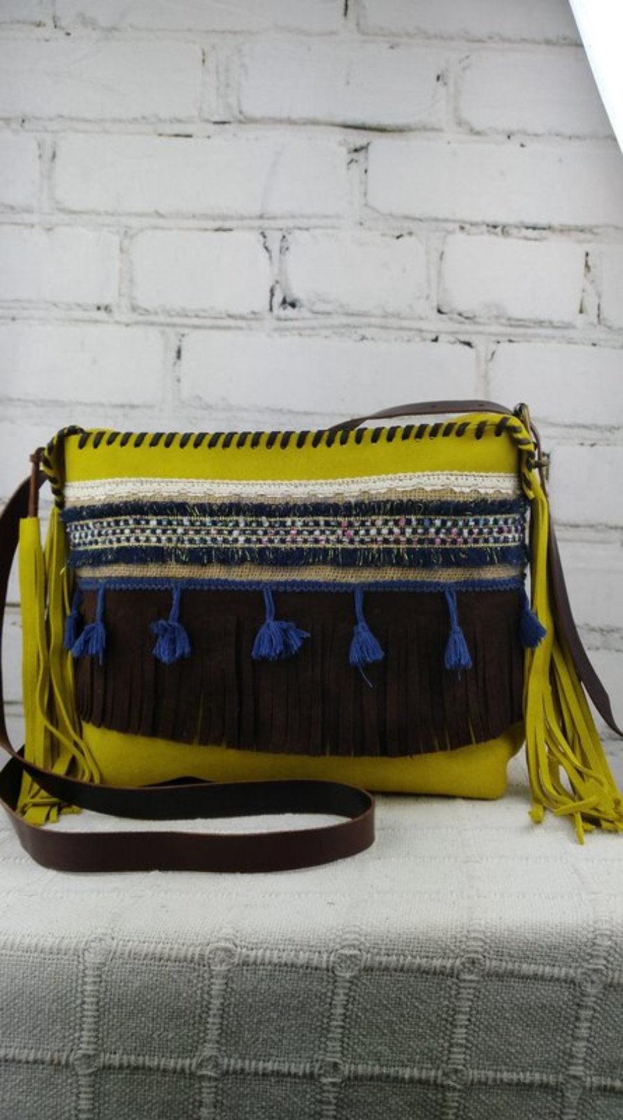 Bolso Ante Amarillo Diseño Étnico Flecos
