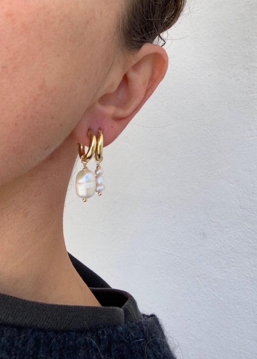 Mini Lana earhoops perlas