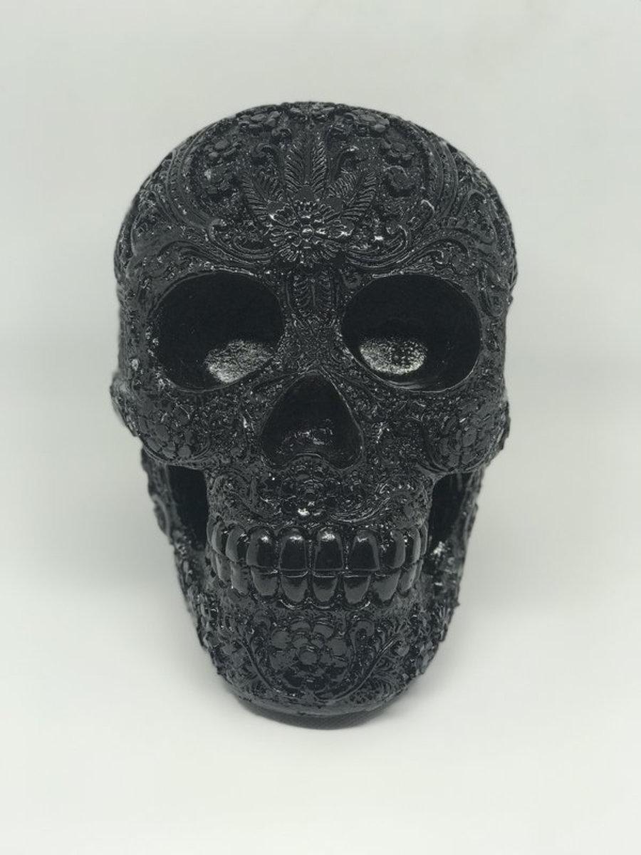 Calavera resina carving negro