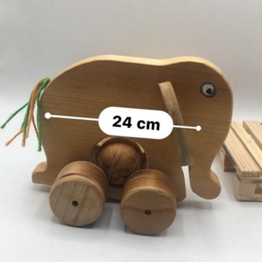 Elefante de arrastre con bola