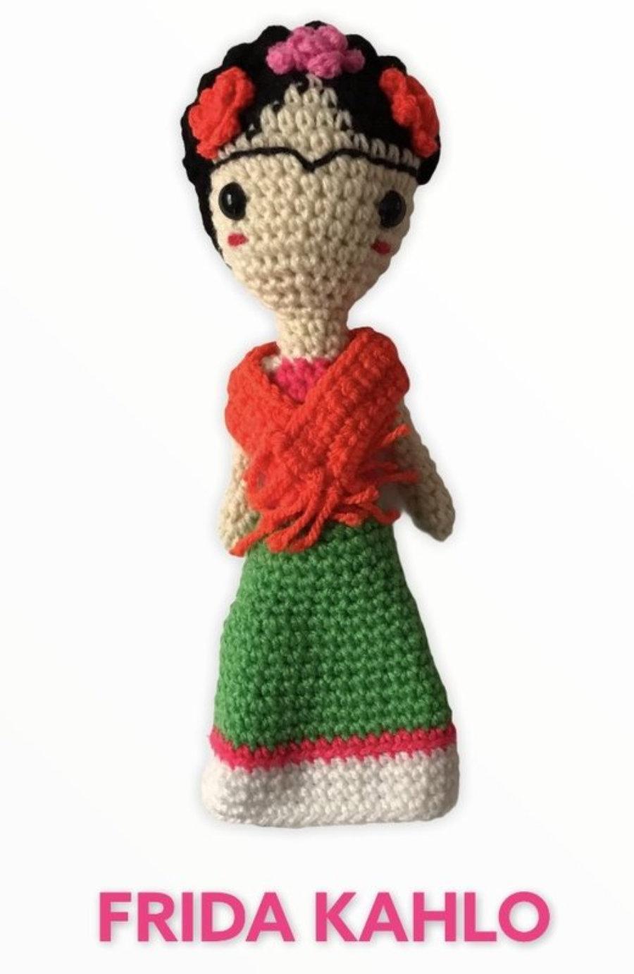 """AMIGURUMIS Muñecos de croché """"Frida Kahlo"""""""